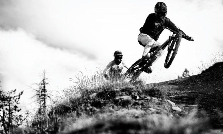 Photo of Antoine Pierron et Matteo Iniguez aux commandes du Commencal Clash de 2021